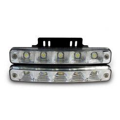 Дневные Ходовые Огни (ДХО англ. Daytime running lights, DRL) — предназначены для улучшения видимости движущегося авто спереди в светлое время суток.