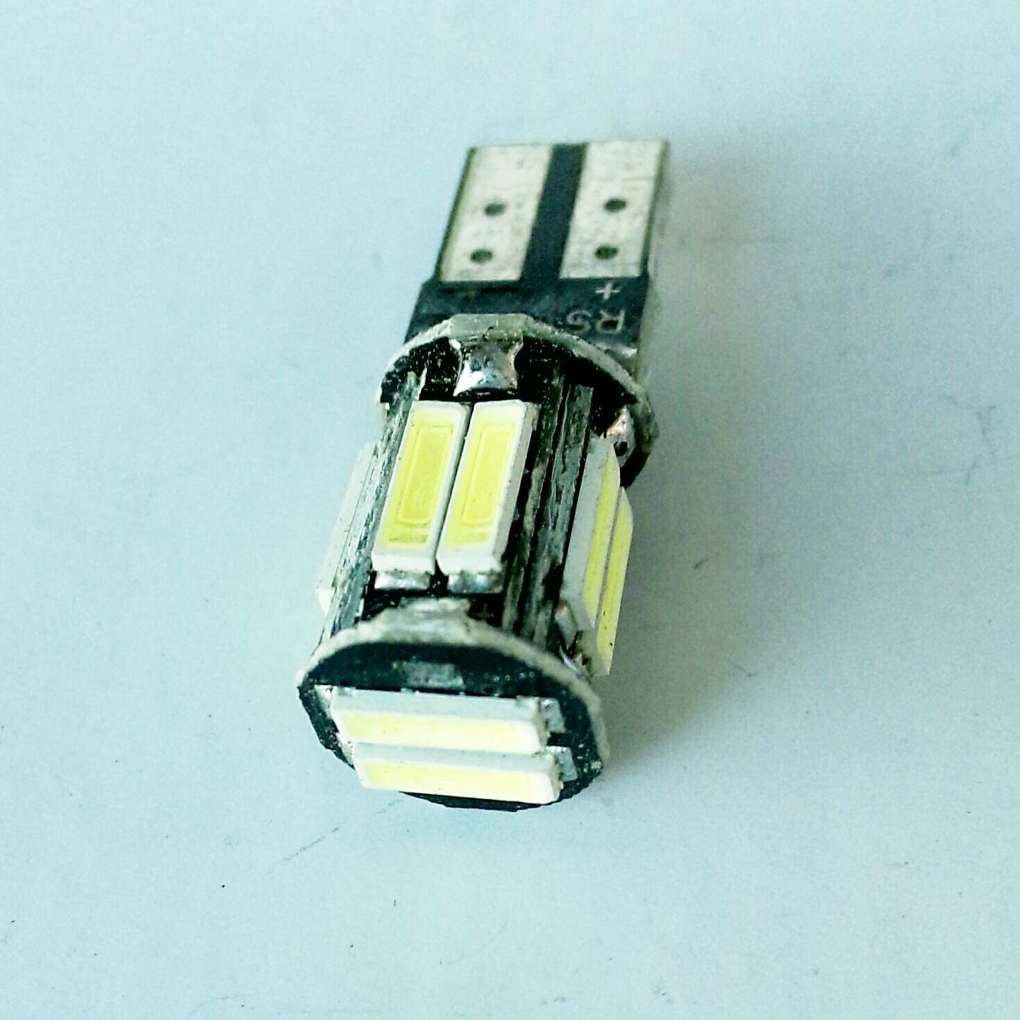 светодиод T10 10smd 7020 canbus с обманкой 12v
