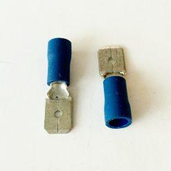 """Клемма """"папа"""" в изоляции 6.3мм толщина 0.8мм под провод 1,5-2,5кв.мм синего цвета"""