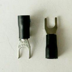 "Клемма ""вилка"" в изоляции 5мм толщина 0.8мм под провод 2,5-4кв.мм черного цвета SV3.5-5"