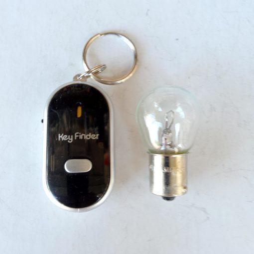 Брелок для ключей QF 315 с откликом на свист и светодиодным фонариком