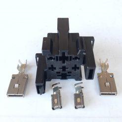 Разъем AUDI, Volksvagen 4H0937528 (без провода) 4 контакта для реле 70A оригинал