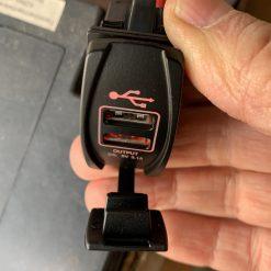 Авто зарядка - кнопка Toyota c 2 USB 3,1A 12V