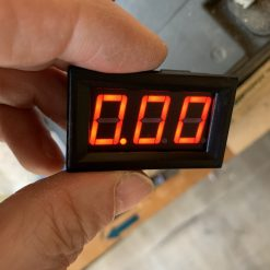 Вольтметр цифровой врезной постоянного тока 0-99,9В красный