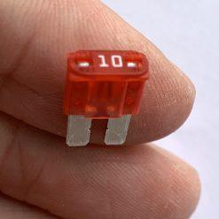 Предохранитель МИКРО 2 Littelfuse MICRO2® 0327010.UXS Fuse 10A оригинал